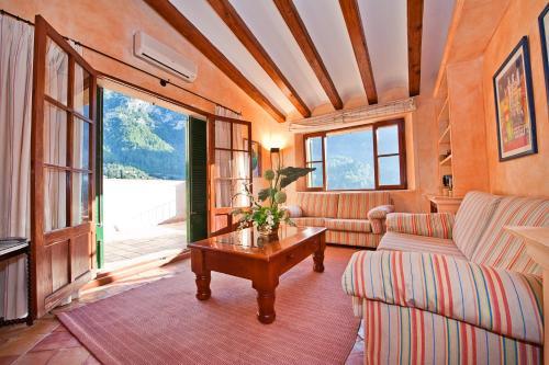 Suite Ático con vistas al mar Hotel Des Puig 12