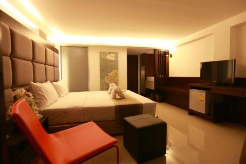 The Bangkok Major Suite photo 5
