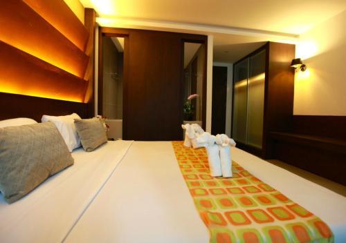 The Bangkok Major Suite photo 7