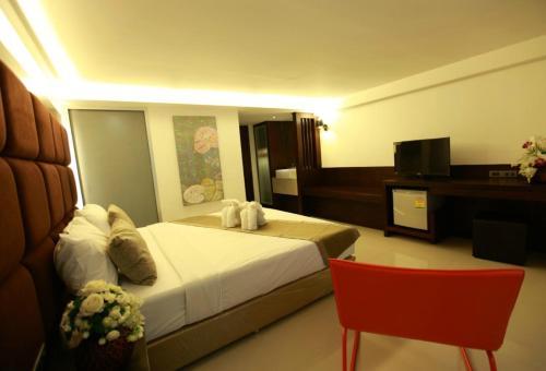 The Bangkok Major Suite photo 8