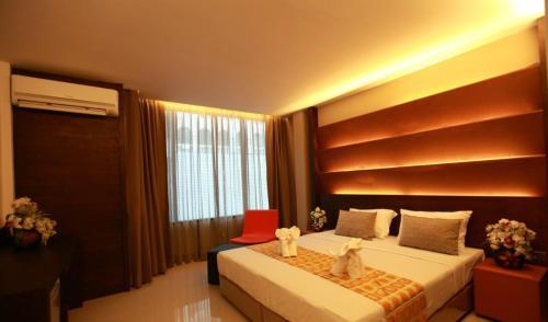 The Bangkok Major Suite photo 9