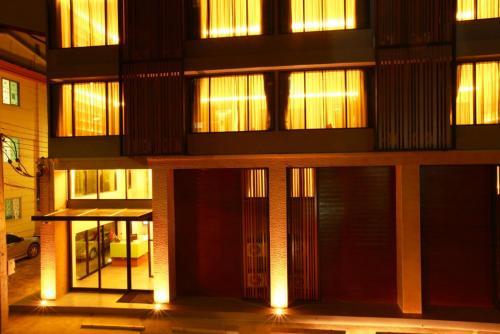 The Bangkok Major Suite photo 13
