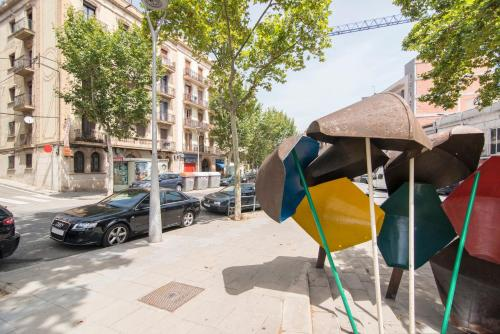Happy People Sagrada Familia St Pau photo 22