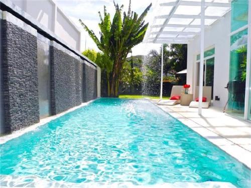 Skylight 2 bedrooms Villa in Kamala Skylight 2 bedrooms Villa in Kamala