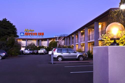 . Alpine Motor Inn
