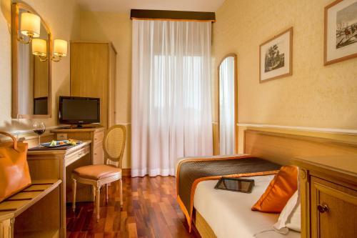Hotel Santa Costanza - image 5