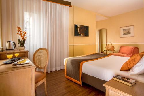 Hotel Santa Costanza - image 6