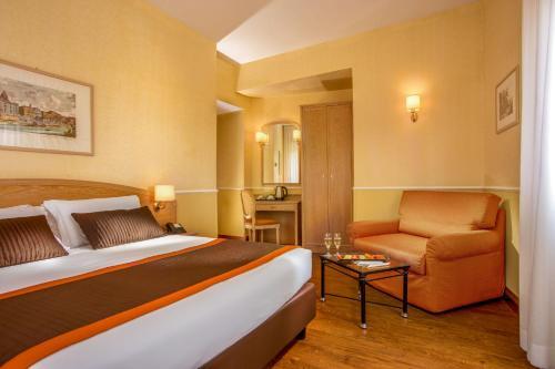 Hotel Santa Costanza - image 11