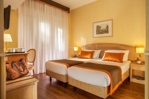 Hotel Santa Costanza - image 14