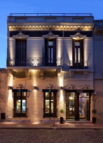 Chile 437, (1019) San Telmo, Buenos Aires, Argentina.