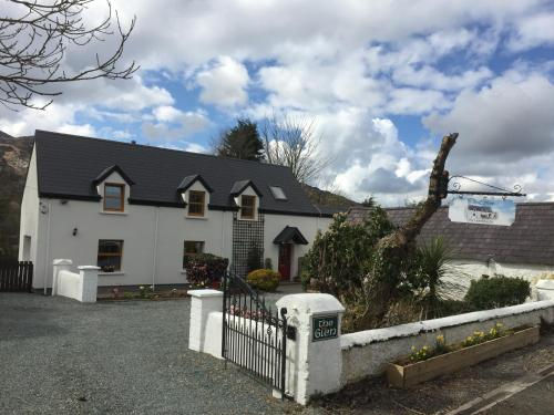 . The Glen Farmhouse