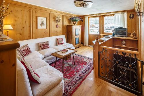 Villa Tullia - Stayincortina - Apartment - Cortina d`Ampezzo