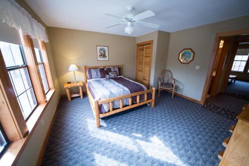 Long Lake Resort - Poteau, OK 74953