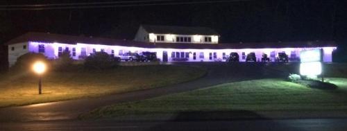 Mount Blue Motel - Farmington, ME 04938