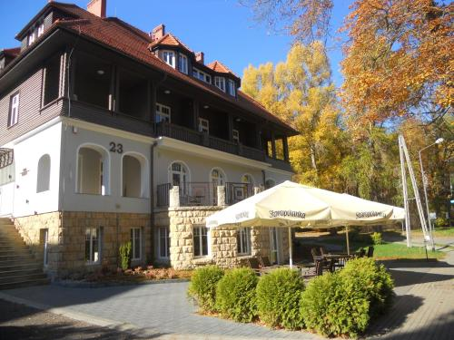 Villa Lessing (B&B)