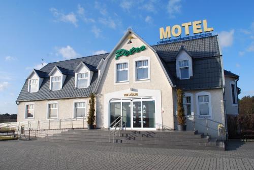 . Motel Petro