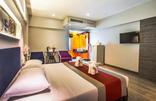 Nouvo City Hotel photo 29