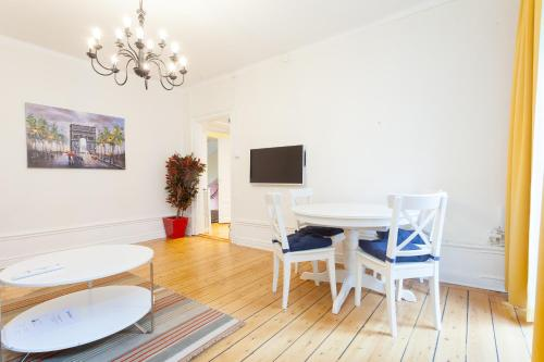 ApartDirect Sveavägen photo 47