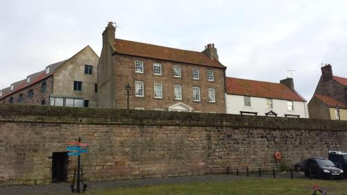 8 Quay Walls, Berwick-upon-Tweed, Northumberland, TD15 1HB, England.
