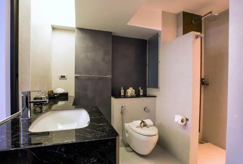 Nouvo City Hotel photo 35
