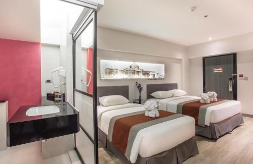 Nouvo City Hotel photo 38