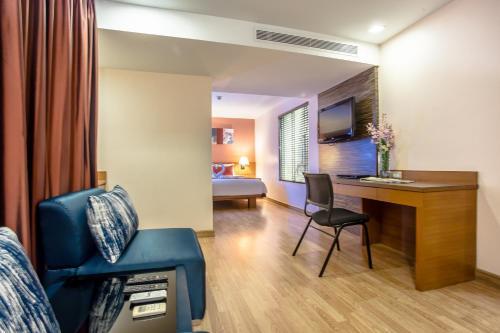 Nouvo City Hotel photo 55