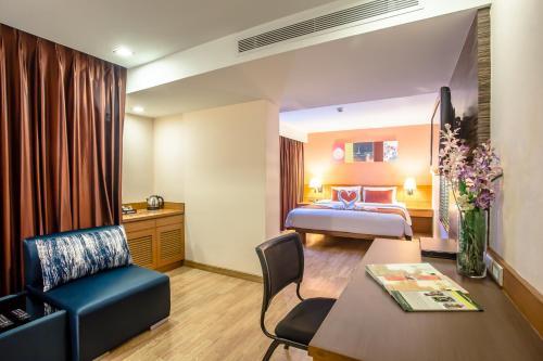 Nouvo City Hotel photo 58