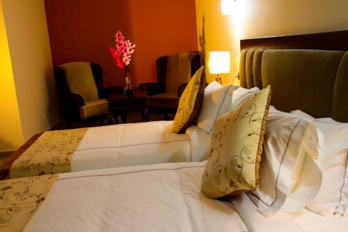 תמונות לחדר Queen Plaza Hotel
