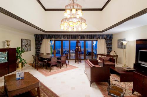 Presidential Suite with Private Pool