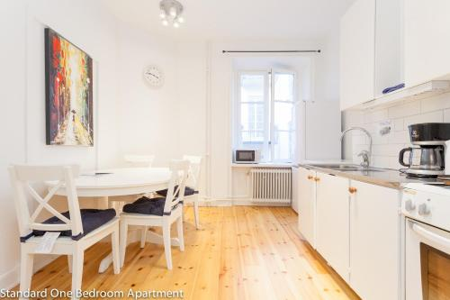 ApartDirect Sveavägen photo 54