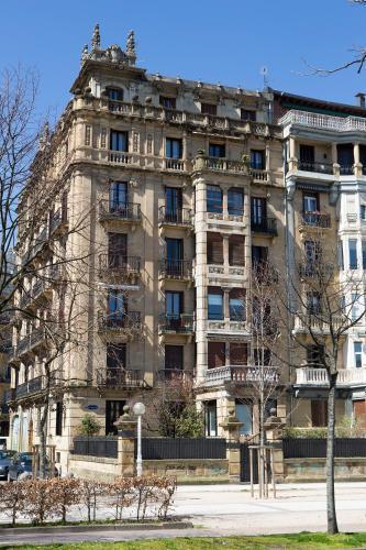 Calle Larramendi 2, 20006 San Sebastián, Spain.