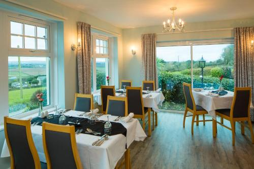 Beacon Country House Hotel (with B&B)