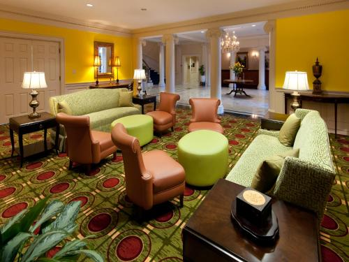 Virginia Crossings Hotel, Tapestry Collection by Hilton photo 6