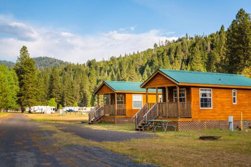 Yosemite Lakes Cabin 43 - Groveland, CA 95321