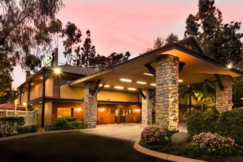 Ayres Lodge Alpine - Alpine, CA  CA 91901