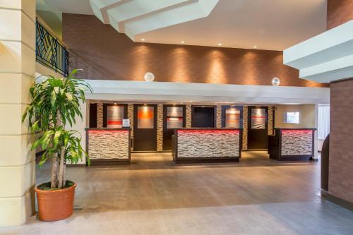Embassy Suites Hotel Piscataway-Somerset - Piscataway, NJ 08854