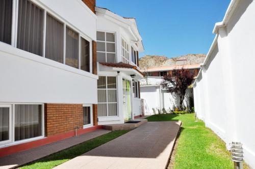 . Bolivian Rooms & Suites (Zona Sur)