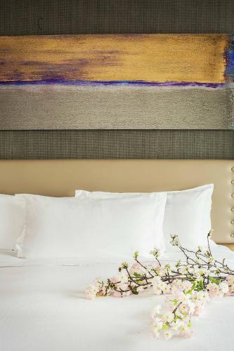 Premium Queen Room with River View