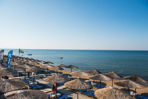 . Santa Rosa Hotel & Beach