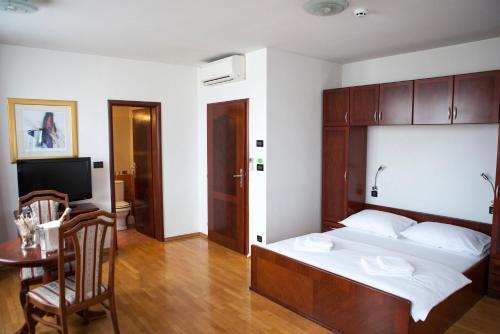 Villa Mali Raj Oda fotoğrafları
