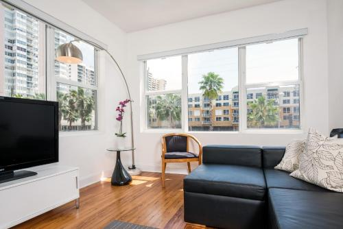 Chic Apartments At Miami Beach - Miami Beach, FL 33140