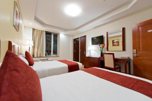Asiatic Hotel - Flushing - image 10