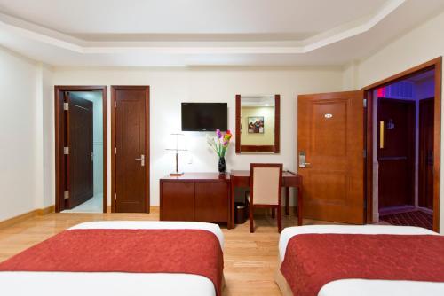 Asiatic Hotel - Flushing - image 11