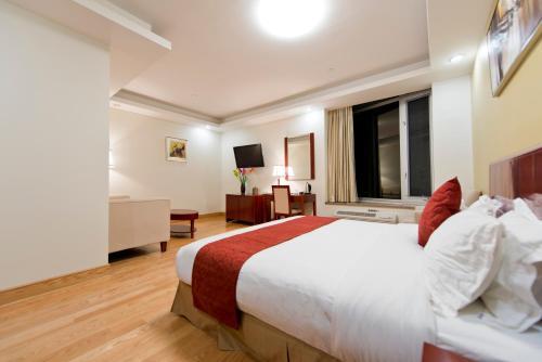 Asiatic Hotel - Flushing - image 12