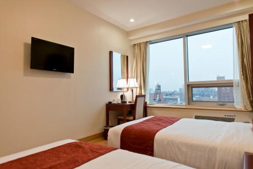 Asiatic Hotel - Flushing - image 4
