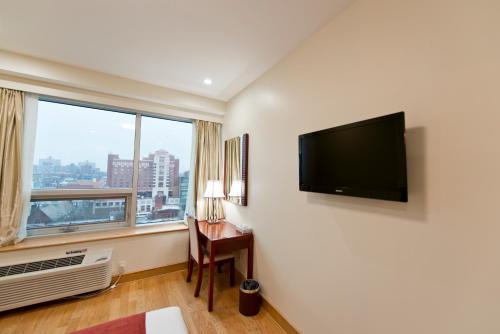 Asiatic Hotel - Flushing - image 8