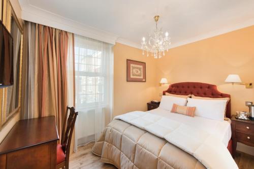 London Residence (B&B)