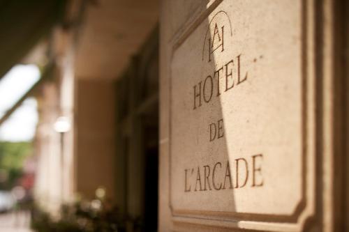 Hôtel De l'Arcade photo 11