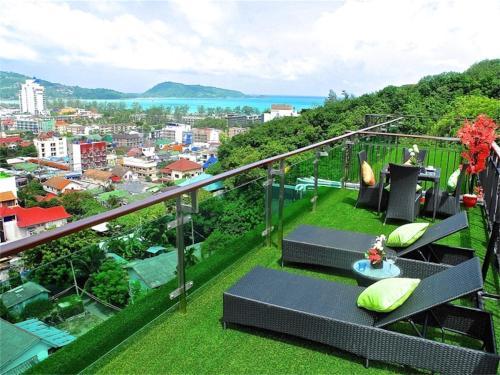 Emerald Patong 2 bedrooms Apartment with Terrace # 803 เอมเมอรัล ป่าตอง 2 เบดรูม อพาร์ทเม้นท์ วิธ เทอร์เรส #803
