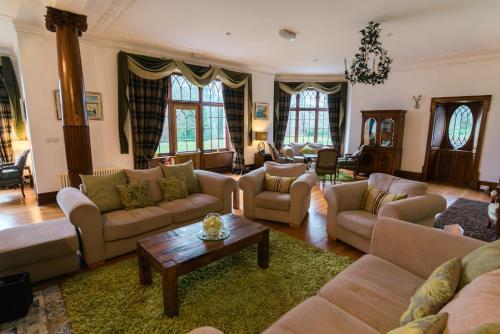 Achnagairn Lodges, Kirkhill, Beauly, IV5 7PD, Scotland.